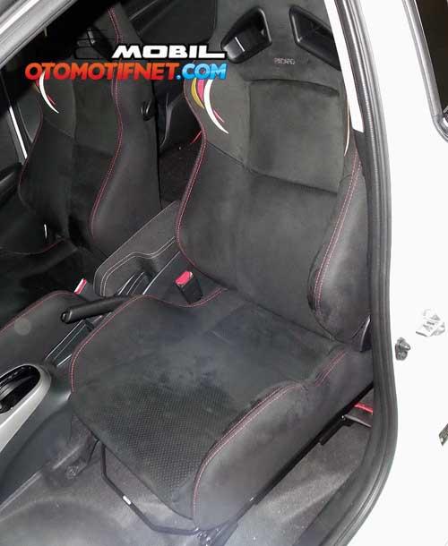 All-New-Honda-Jazz-RS-CVT-2015_06