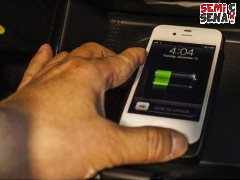 Tips-Tips-Mengisi-Ulang-Ponsel-di-Dalam-Mobil