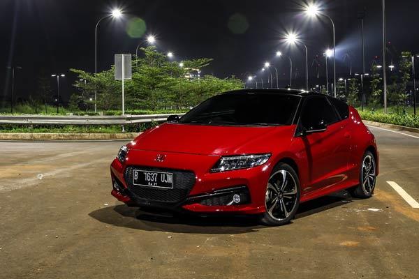 Mencoba Honda CR-Z Terbaru di Indonesia