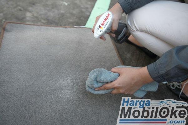 Cara-Merawat-Karpet-Mobil-agar-Tetap-Awet