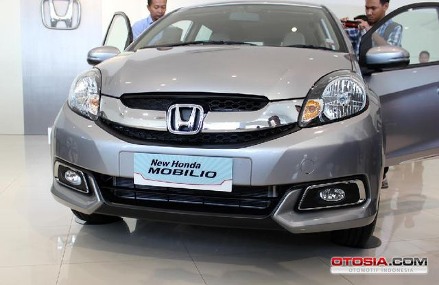 new_honda_mobilio_2016_fix-20160119-002-otosia