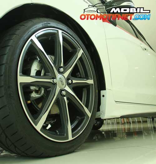 All-New-Honda-Jazz-RS-CVT-2015_02