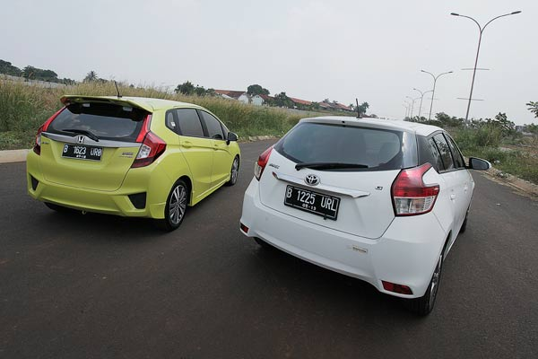 20141015_103819_Toyota_Yaris_VS_Honda_Jazz-17